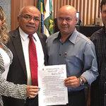 O conselheiro Adriano Araújo acompanhou do plenário a apresentação do projeto de lei